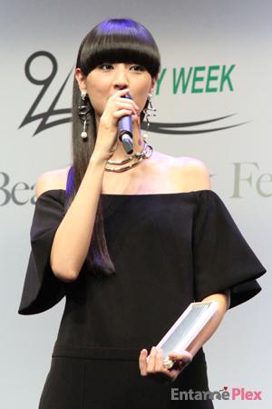 今年受賞したのは、ドラマーのシシド・カフカ、女優の安達祐実と川北麻友子だ。シシドは、ファッション性が高く時代の最先端を感じさせるヘアスタイルの女性に贈